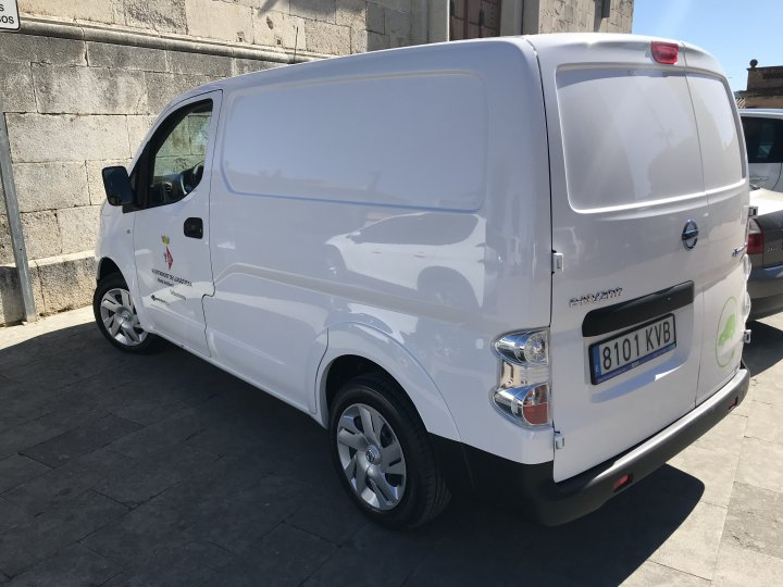 L'Ajuntament estrena un vehicle 100% elèctric