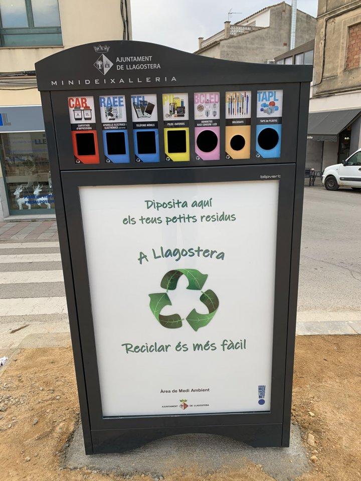 Instal·lada una mini deixalleria al passeig Pompeu Fabra
