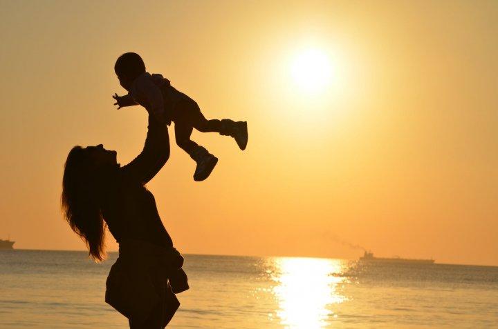 Informació sobre la deducció per maternitat, ampliada per cobrir despeses de la Llar d'infants