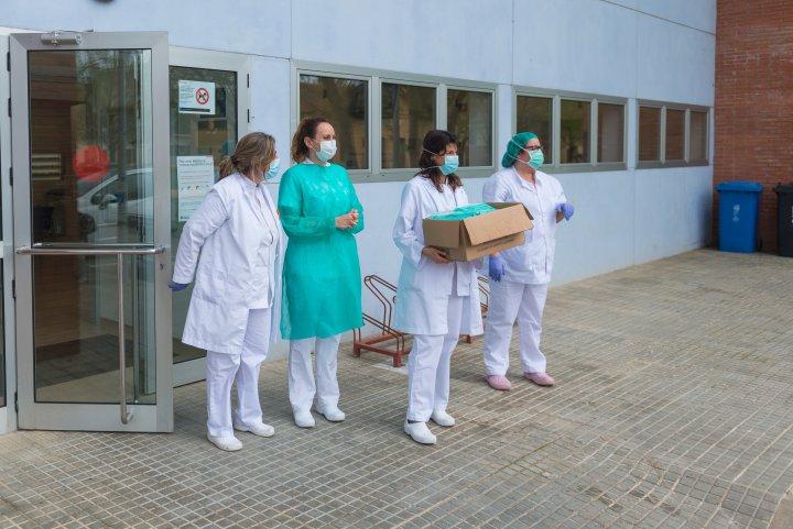 Donació de material sanitari i agraïments al personal del CAP Llagostera